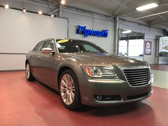 Pre-Owned 2012 Chrysler 300C Luxury Series
