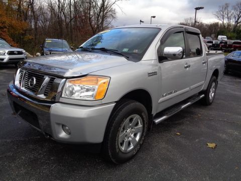 Pre-Owned 2014 Nissan Titan SV